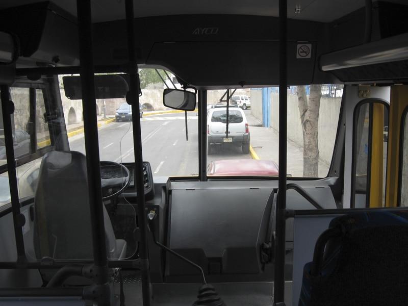 Cabina autobús de transporte escolar - GO Transportes
